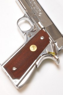 CAROM SHOT - M1911, 45AUTO Rosewood Checker Grip with Medallion