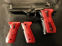 PANDORA ARMS - Wood Grip U.S. M9/M9A1 Smooth Logo Red